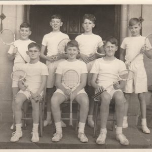 1955 1st VII Squash: Standing: de Chazal, ?Wilkinson, Andrews         Seated:  Moorsom, Borg, Mellotte